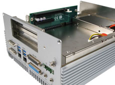 AU972 fanless rugged industrial computer with expansion bays
